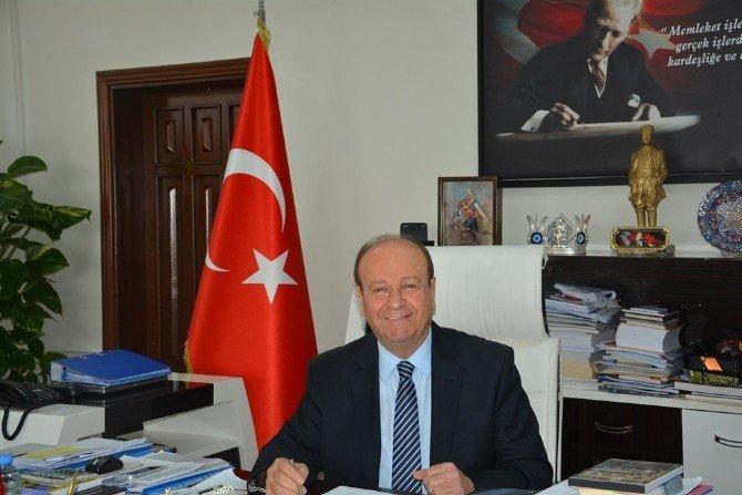 """Başkan Özakcan'ın """"10 Ocak Çalışan Gazeteciler Günü"""" Mesajı"""