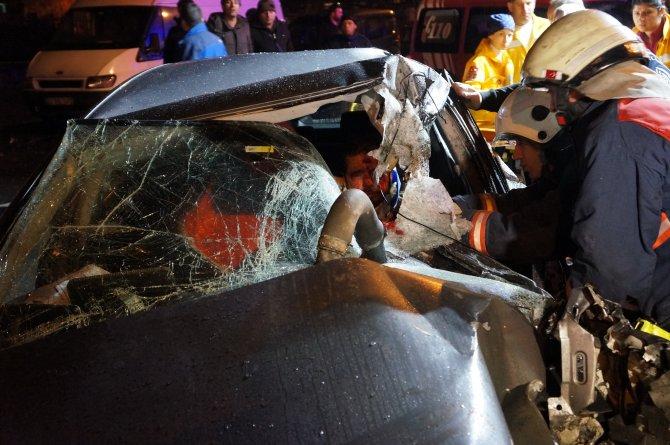 Fatih'te trafik kazası: 2 yaralı