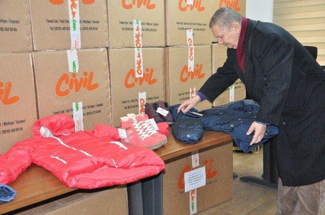 İstanbul'daki Giresunlu İş Adamlarından Öğrencilere Kıyafet Yardımı