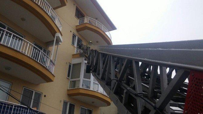 İtfaiye Merdiveniyle Girilen Evde Yaşlı Kadın Ölü Bulundu