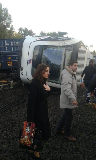 Düşen konteyner metro vagonunu devirdi: 7 hafif yaralı