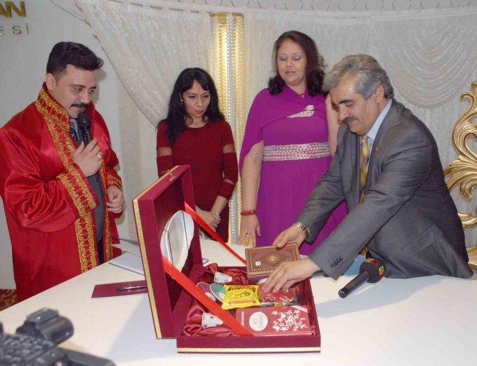 Kocasinan Belediyesi'nin nikah salonunda 250 yabancının nikahı kıyıldı