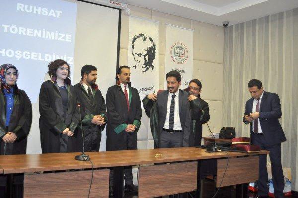 Stajlarını tamamlayan avukatlarda ruhsat sevinci