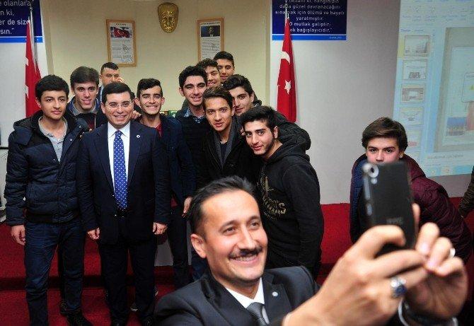 Tütüncü, Hacı Dudu Mehmet Gebizli Anadolu İmam Hatip Lisesi'ni Ziyaret Etti
