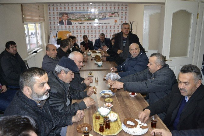 Muhtarlar AK Parti Alaplı İlçe Teşkilatını Ziyaret Etti