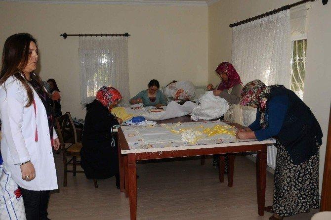 Kadın Çalışmaları Ve Eğitim Merkezi Eğitimlerine 576 Kadın Katıldı