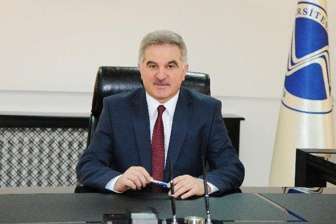 Rektör Elmas 2015 Yılını Değerlendirdi