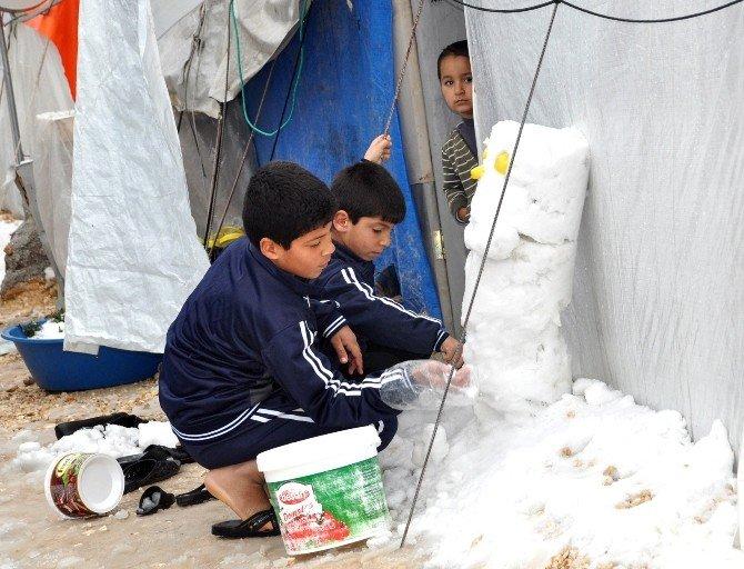 Çadır Kentin Çocukları Karı Oyuna Çevirdiler