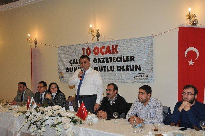"""Can: """"Gazetecilik Çok Zor Ve Güzel Bir Meslek"""""""