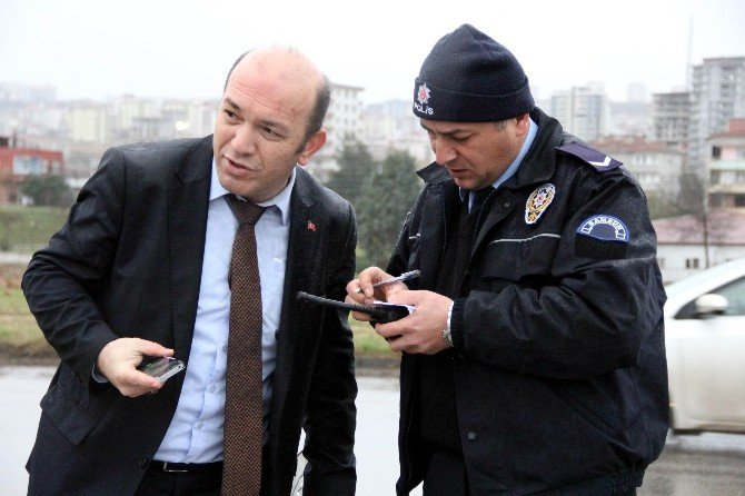 Takla Atan Kamyonetin Sürücüsünü Emniyet Kemeri Kurtardı