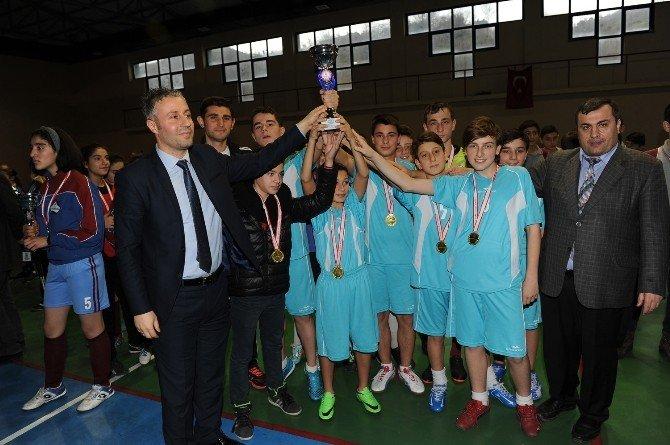 Trabzon Futsal Yıldız Erkekler Ve Kızlar Müsabakaları Sona Erdi