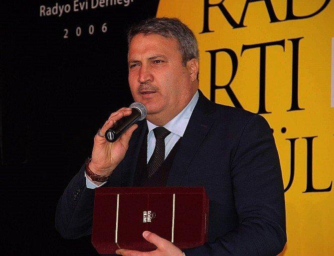 Yılın Belediye Başkanı Çerçi Ödülünü Aldı