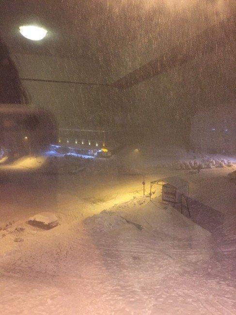 Uludağ'a Yeniden Kar Yağdı