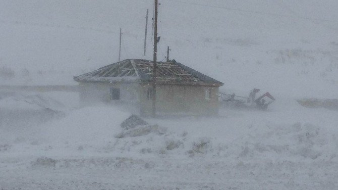 Van'da Kar Yağışı Ve Fırtına