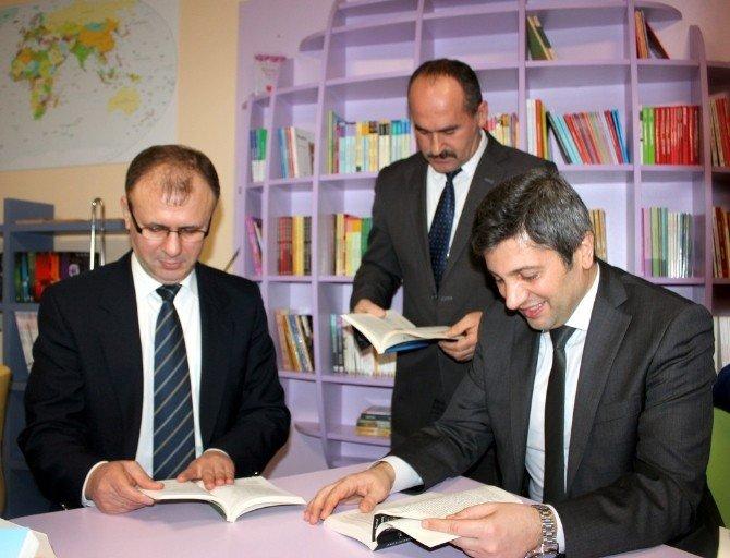 """Yalova'nın İlk """"Z-kütüphanesi"""" Açıldı"""