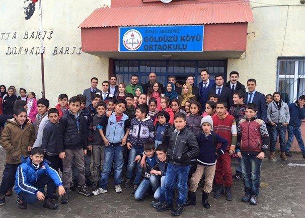 Kütahya Yaşam Haber Grubu'ndan 300 Öğrenciye Giyim Yardımı