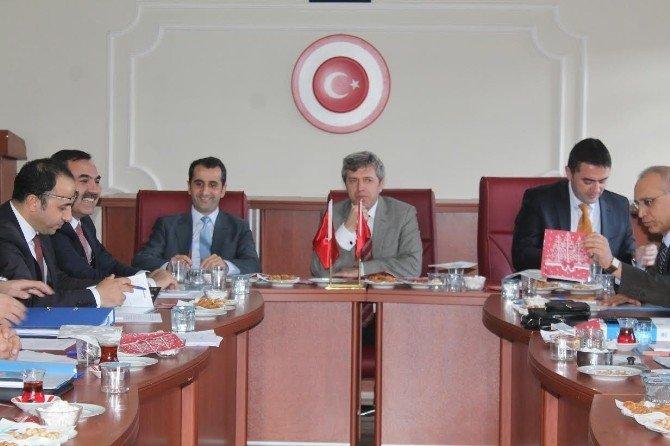 Ahlat'ta Ahıska Türkleriyle İlgili Geniş Katılımlı Bir Toplantı Yapıldı