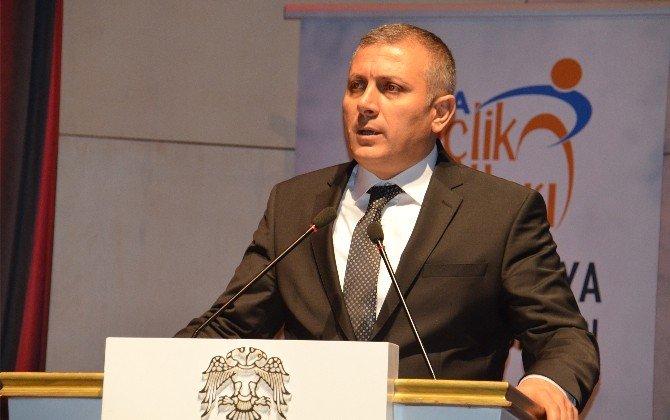 AK Parti'den Türkmenlere Yardım Programı