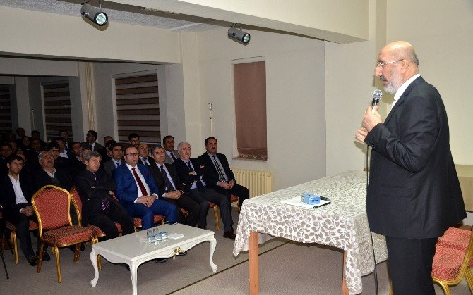 Araştırmacı Yazar Abdurrahman Dilipak Bitlis'te Konferans Verdi: