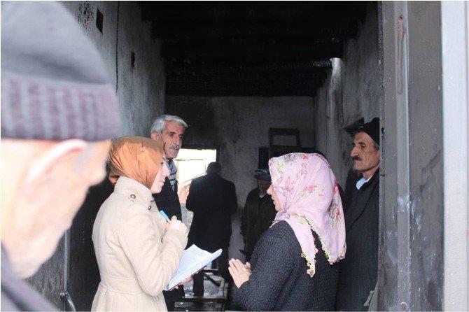 Hakkari ASP'den Evleri Yanan Arar Ailesine Yardım Eli