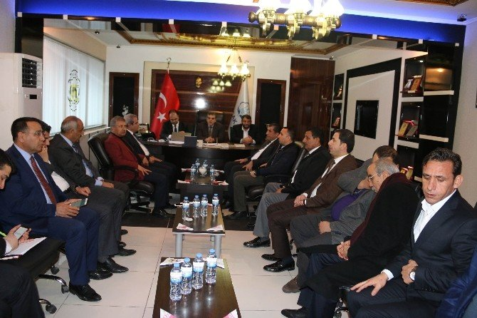 Belediye Başkanları Akçakale De Toplandı