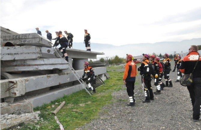 Bursa'da Nefes Kesen Afet Eğitimi...