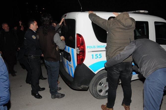 Çanakkale'de izinsiz yürüyüşe polis müdahalesi: 23 gözaltı