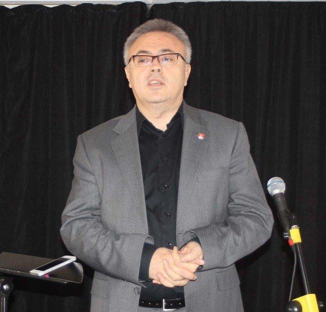 CHP Uşak İl Ve İlçe Yönetimi Basınla Buluştu