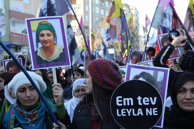 Öldürülen 3 PKK'lı kadın için yürümek isteyen gruba izin verilmedi