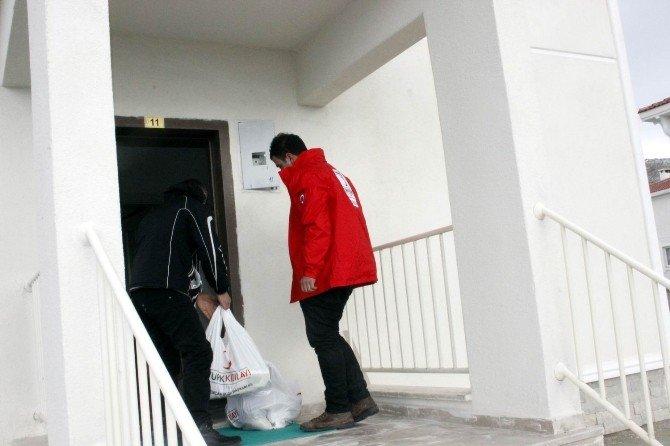 Ahıska Türklerine Gıda Yardımı Yapıldı
