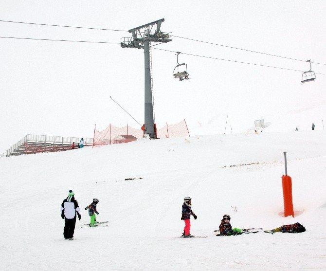 Konaklı'da Hafta Sonu Kayak Keyfi