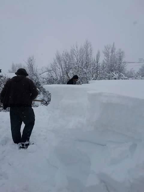Kar Yağışı Çiftçilere Zor Anlar Yaşadı