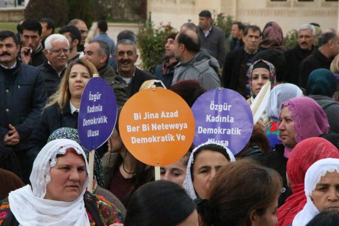 Nusaybin'de KJA'dan 'Paris ve Silopi' anması