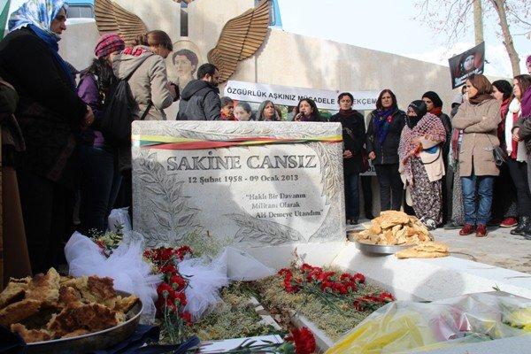 Sakine Cansız mezarı başında anıldı