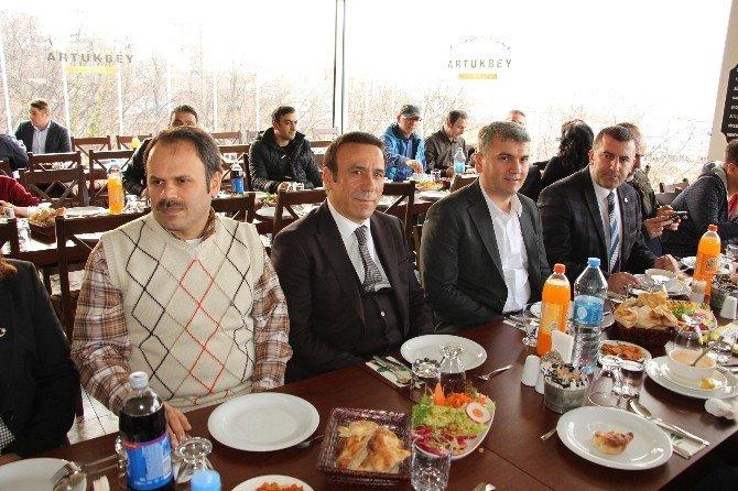 Canik Belediyesi'nden Gazetecilere Yemek