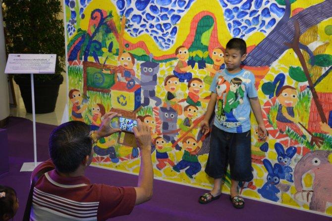 Tayland'da Ulusal Çocuk Bayramı renkli görüntülerle kutlanıyor