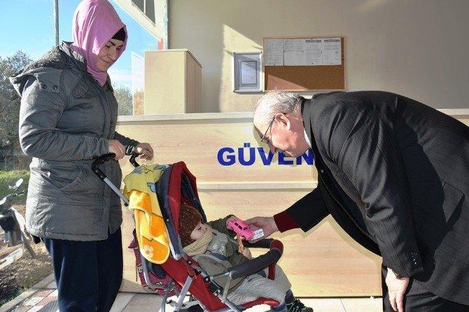 Başkan Albayrak'ın Çocuk Sevgisi