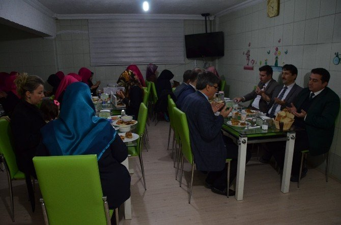 Başkan Bakıcı'dan Kumral Abdal Kız Kur'an Kursu'na Ziyaret