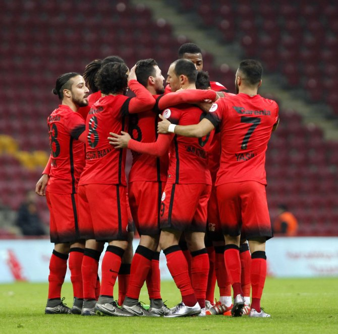Galatasaray: 3 - Karşıyaka: 1