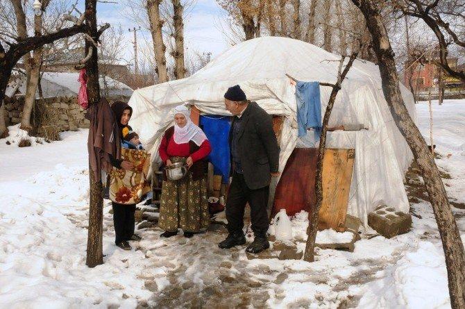 5 Yıldır Çadırda Yaşayan Aile Hastalıkların Pençesinde