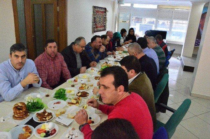 Karaduman'dan Gazetecilere Kahvaltı