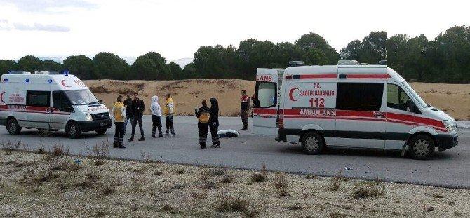 Manavgat'ta Motosikletler Çarpıştı: 1 Ölü, 2 Yaralı