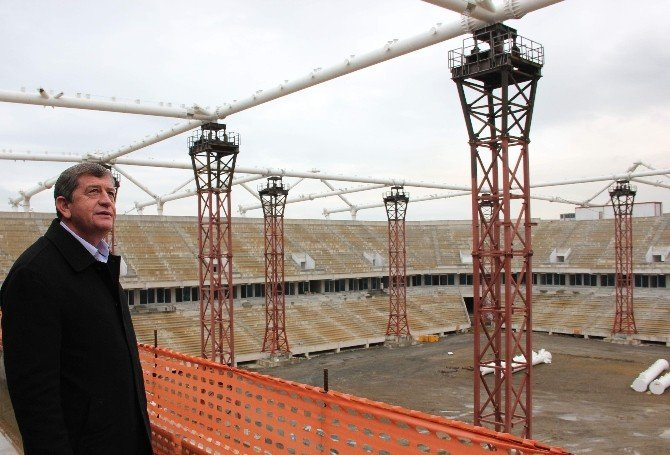 AK Parti İl Başkanı Haydar Revi Akyazı Stadı'nı Gezdi