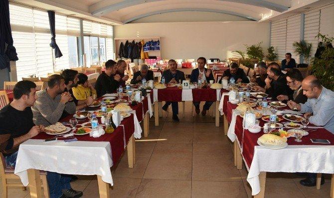 Kaymakam Erkan Ve Başkan Aksoy, Gazetecilerle Bir Araya Geldi