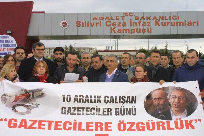 Gazeteciler gününde CHP'den Silivri'ye destek çıkarması