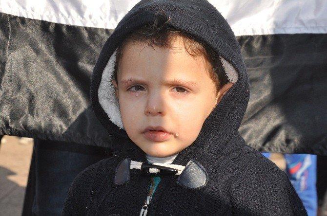 Reyhanlı'daki Suriyeliler Madaya'daki Açlığa Dikkat Çekti