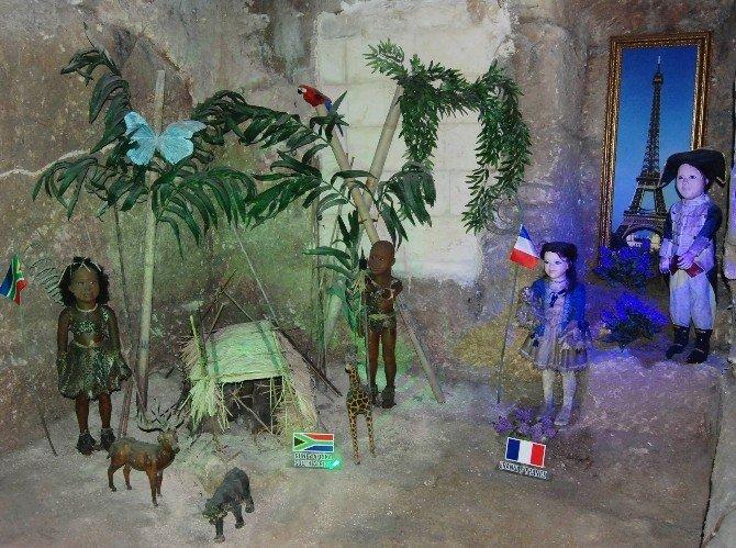 Mağarada Gizli 23 Ülkenin Çocukları