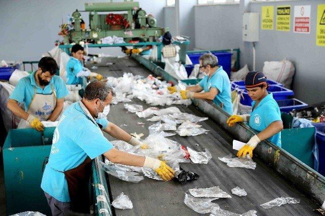 Bağcılar'da 10 Bin 420 Ton Atık, Geri Dönüşüme Kazandırıldı