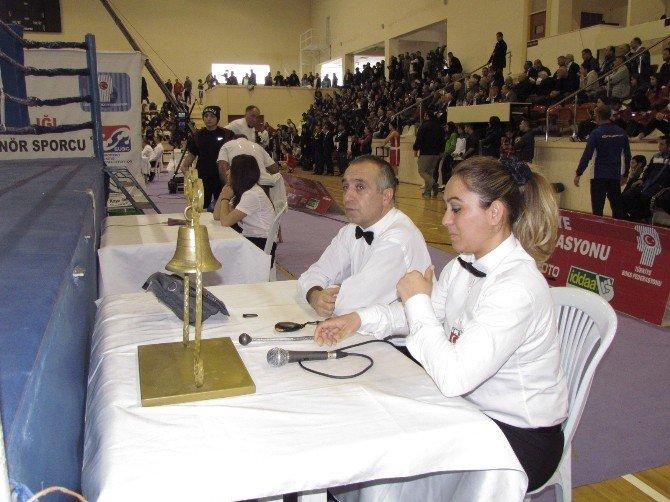 Türkiye Bayanlar Boks Şampiyonası'nda Ödüller Sahiplerini Buldu