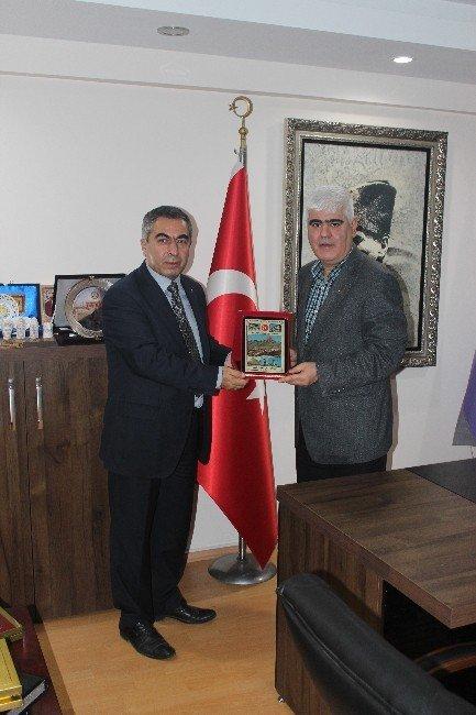 Başkan Gürel'den Tuhafiyeciler Ve İşportacılar Odası Başkanı Şen'e Ziyaret